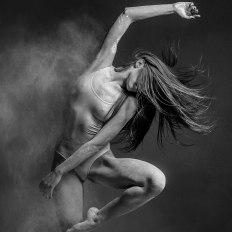 grâce-et-danse-figées-dans-la-farine-par-alexander-yakovlev-13